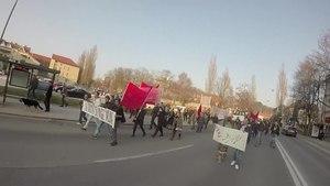 File:Protestu proti rasizmu in fašizmu v Ljubljani 19 marca 2016.webm