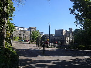 Queen's Tower (Sheffield) - Entrance to Queen's Tower.  The main house is to the right, the former stable block to the left.