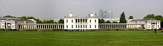 Wing (building) - The Queen's House in Greenwich as viewed from the foot of Observatory Hill, showing the original 1635 house and the additional 1807 wings linked by colonnades