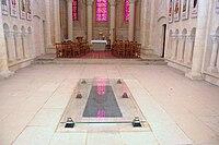 Queen Matilda's grave in the Women's Abbey at Caen.jpg