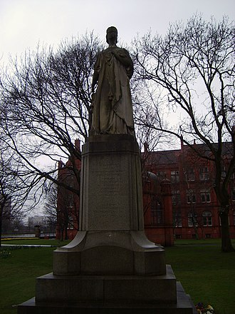 Royal visits to Manchester and Salford during the reign of Queen Victoria - A statue of Queen Victoria in Peel Park, Salford