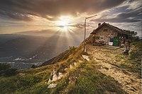 Raggi visti dal Monte Zugna.jpg