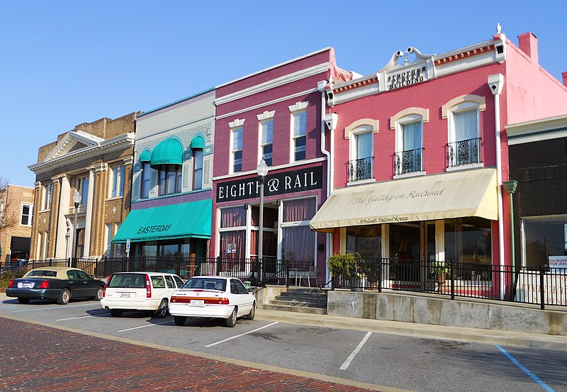 File:Railroad Avenue Historic District Opelika Alabama.JPG