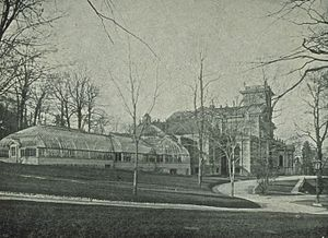 Ravenscrag, Montreal - Ravenscrag and its conservatory seen from the west, 1906