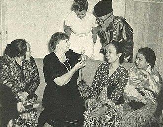 Agus Salim - Salim with Eleanor Roosevelt, 1953