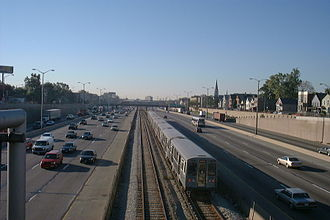 Dan Ryan branch - A southbound Red Line train on its way to 95th