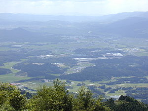 Ninja - The plains of Iga, nested in secluded mountains, gave rise to villages specialized in the training of ninja.