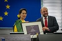 Remise du Prix Sakharov à Aung San Suu Kyi Strasbourg 22 octobre 2013-14.jpg