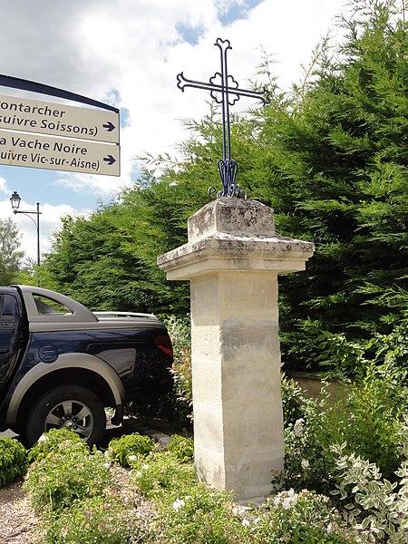 Ressons-le-Long (Aisne) croix de chemin C (Place de la fontaine)