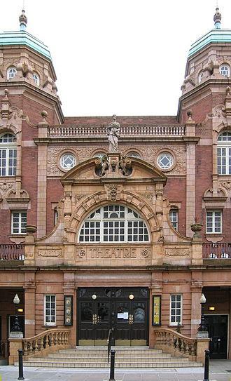 Richmond Theatre - Richmond Theatre, entrance in 2006