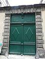 Riom Hôtel Chabrol-Tournoëlle portail.JPG