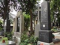 Sadská - náhrobek Otakara Georgia Paroubka (zezadu).JPG