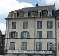 Saint-Flour place d'Armes 7.jpg