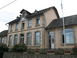 Saint-Germain-Beaupré (mairie) 1.jpg