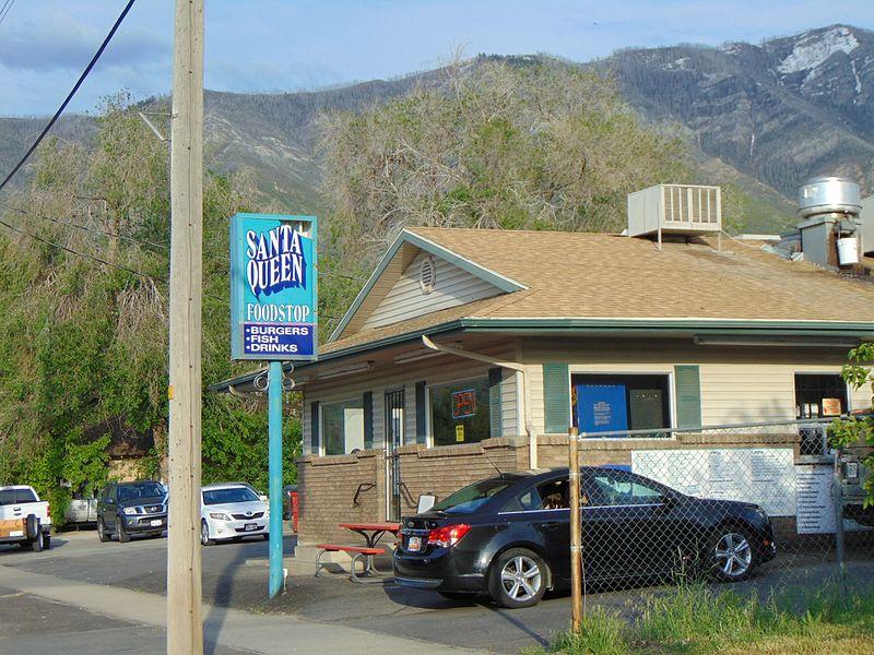 File:Santa Queen Foodstop, Santaquin, Utah, May 16.jpg