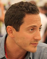 Sasha Roiz at Comic-Con 2011 cropped.jpg