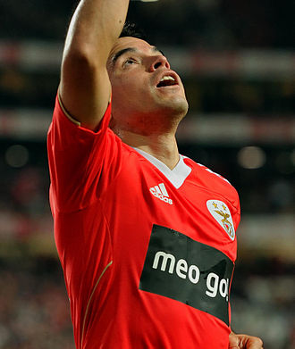 Javier Saviola - Saviola celebrating a goal for Benfica in 2011