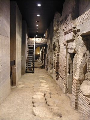 Macellum of Naples - Doorways towards the tabernae in the buried macellum beneath San Lorenzo Maggiore