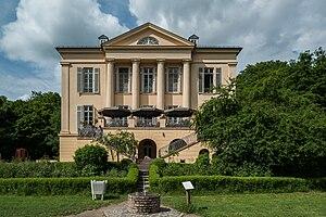 Wiesbaden-Dotzheim - Image: Schloss Freudenberg in Wiesbaden von Süden