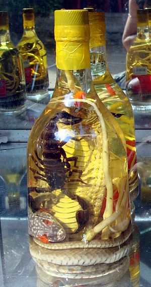 English: Real scorpion wine on sale, in Taipei...
