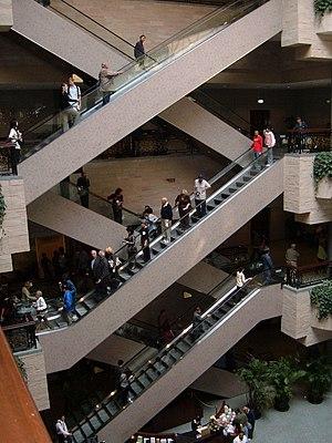 "Escalator - ""Crisscross"" layout"