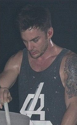 Shannon Leto (2010) (cropped).jpg