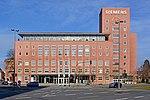 Siemens-Verwaltung in Erlangen 2014 'Himbeerpalast' bearbeitet.jpg