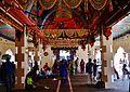 Singapore Tempel Sri Mariammam Innen 4.jpg