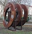 Skulptur Türrschmidtstr 45 (Rumbg) Ringstadien&Jenny Brockmann&2002.jpg