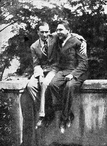 Philippe Soupault (vlevo) a Vítězslav Nezval, Praha 1927