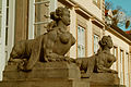 Sphinxe am Wallmodenpalais im Palaisgarten.jpg