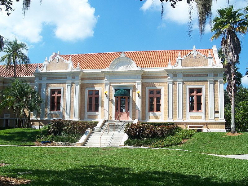 St. Pete Mirror Lake Library02.jpg