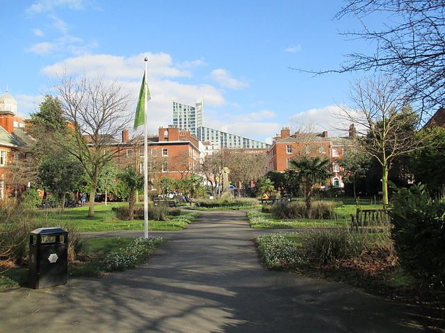 10 places to picnic in Manchester city centre when its sunny | The Urban Wanderer | St John's Garden
