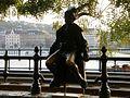 Statue de la petite princesse à Budapest.jpg