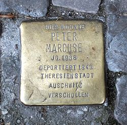 Photo of Peter Marcuse brass plaque