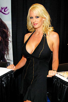Stormy-Daniels Chicago Exxxotica, July 13, 2013.jpg