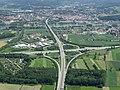 Strassenverkehr Autobahnkreuz.JPG