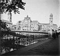 Szent László híd a Körös felett. A hídfőnél a Szent László templom, szemben a Városháza. Fortepan 62598.jpg