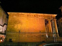 Temple Romà - lateral de nit.jpg