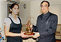 The Minister of State (Independent Charge) for Youth Affairs and Sports, Shri Ajay Maken presenting the Arjuna Award 2010 to Ms. Jasjeet Kaur Handa, Women Hockey player of India, in New Delhi on March 04, 2011.jpg