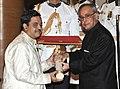 The President, Shri Pranab Mukherjee presenting the Padma Shri Award to Shri Shekhar Sen, at a Civil Investiture Ceremony, at Rashtrapati Bhavan, in New Delhi on April 08, 2015.jpg