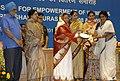 The President, Smt. Pratibha Devisingh Patil presenting the Stree Shakti Puruskar 2008 to Mrs. Mahjabeen (Hyderabad, Andhra Pradesh), in New Delhi on March 08, 2010.jpg
