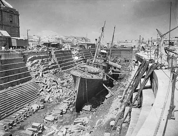 the importance of the navy in world war i During world war ii the boston naval shipyard complex encompassed nearly   while the construction of new ships was extremely important, the overhaul and.