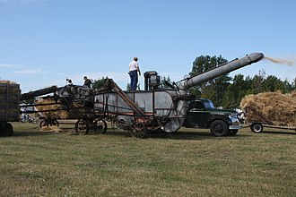 Threshing machine - A threshing machine in operation