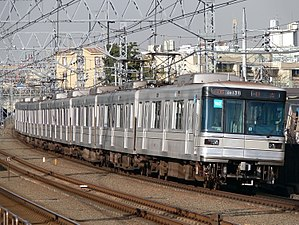 Tokyo Metro 03 series - An 03 series train on the Tokyu Toyoko Line in December 2005