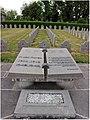 Tournai (Doornik) — Cimetière du Sud et sa partie où reposent les soldats belges morts durant la Première et la Deuxième Guerre Mondiale.jpg
