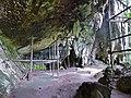 Traders' Cave (15047785403).jpg