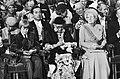Troonswisseling 30 april , inhuldiging in Nieuwe Kerk op de voorgrond v.l.n.r., Bestanddeelnr 930-8075.jpg