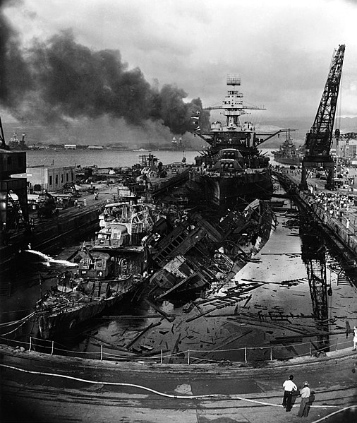 506px-USS_Downes_%28DD-375%29%2C_USS_Cassin_%28DD-372%29_and_USS_Pennsylvania_%28BB-38%29_in_Dry_Dock_No._1_at_the_Pearl_Harbor_Naval_Shipyard%2C_7_December_1941_%28306533%29.jpg