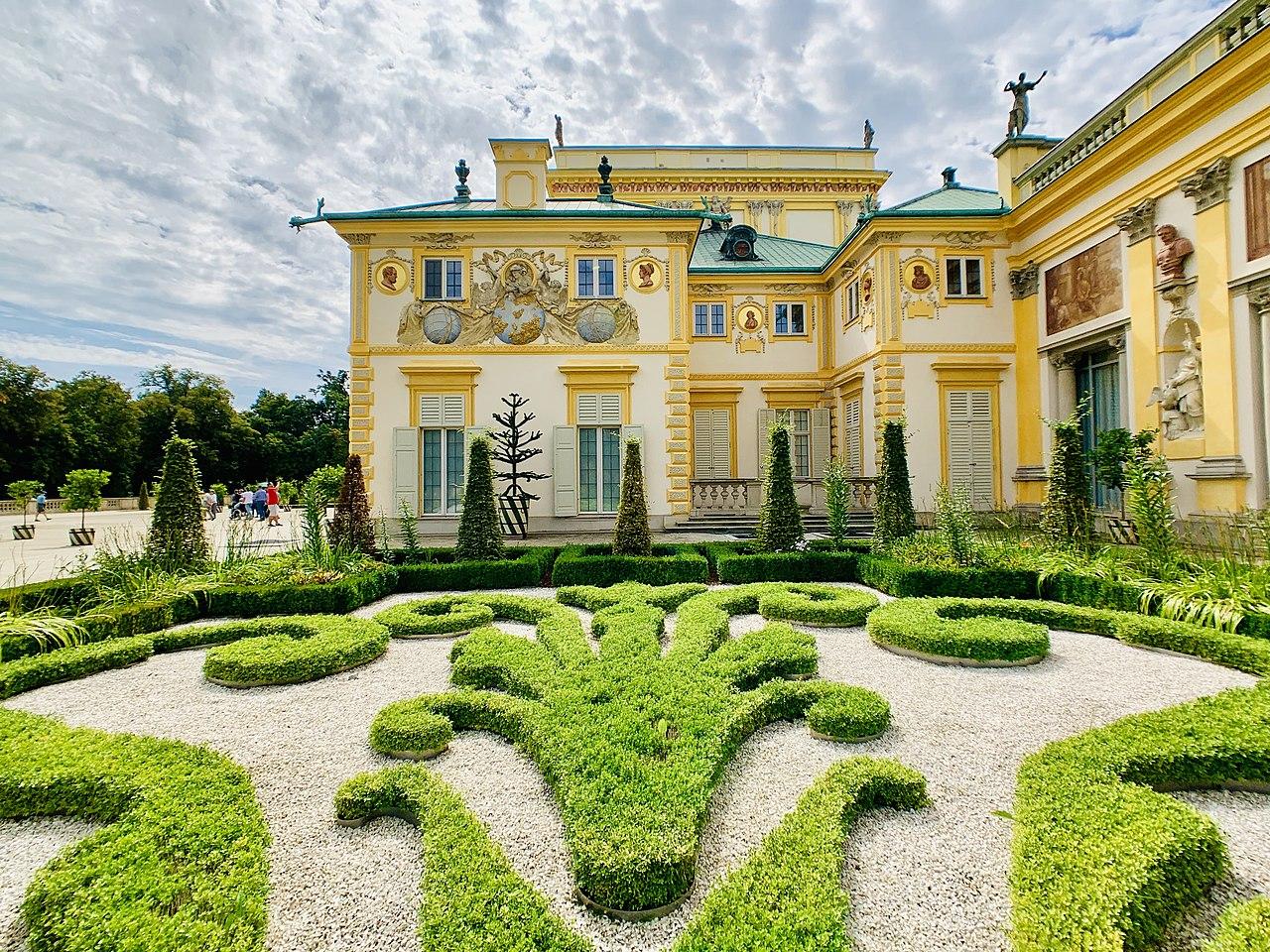 Upper Baroque Garden in Wilanów Park, 2019, 08.jpg